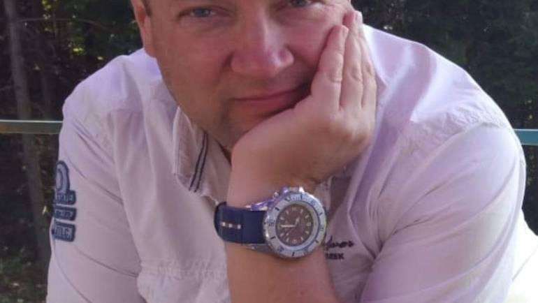 Наш автор Александр  Чумаков